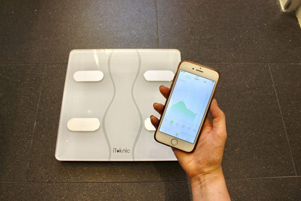 smarte Waage iTeknic und Feelfit App